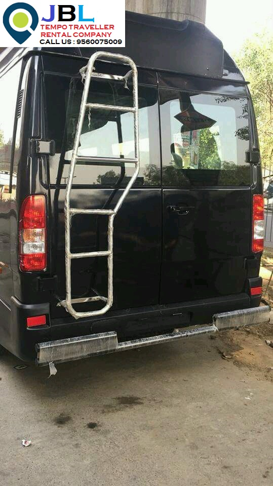Rent tempo traveller in Sainik Colony�Faridabad